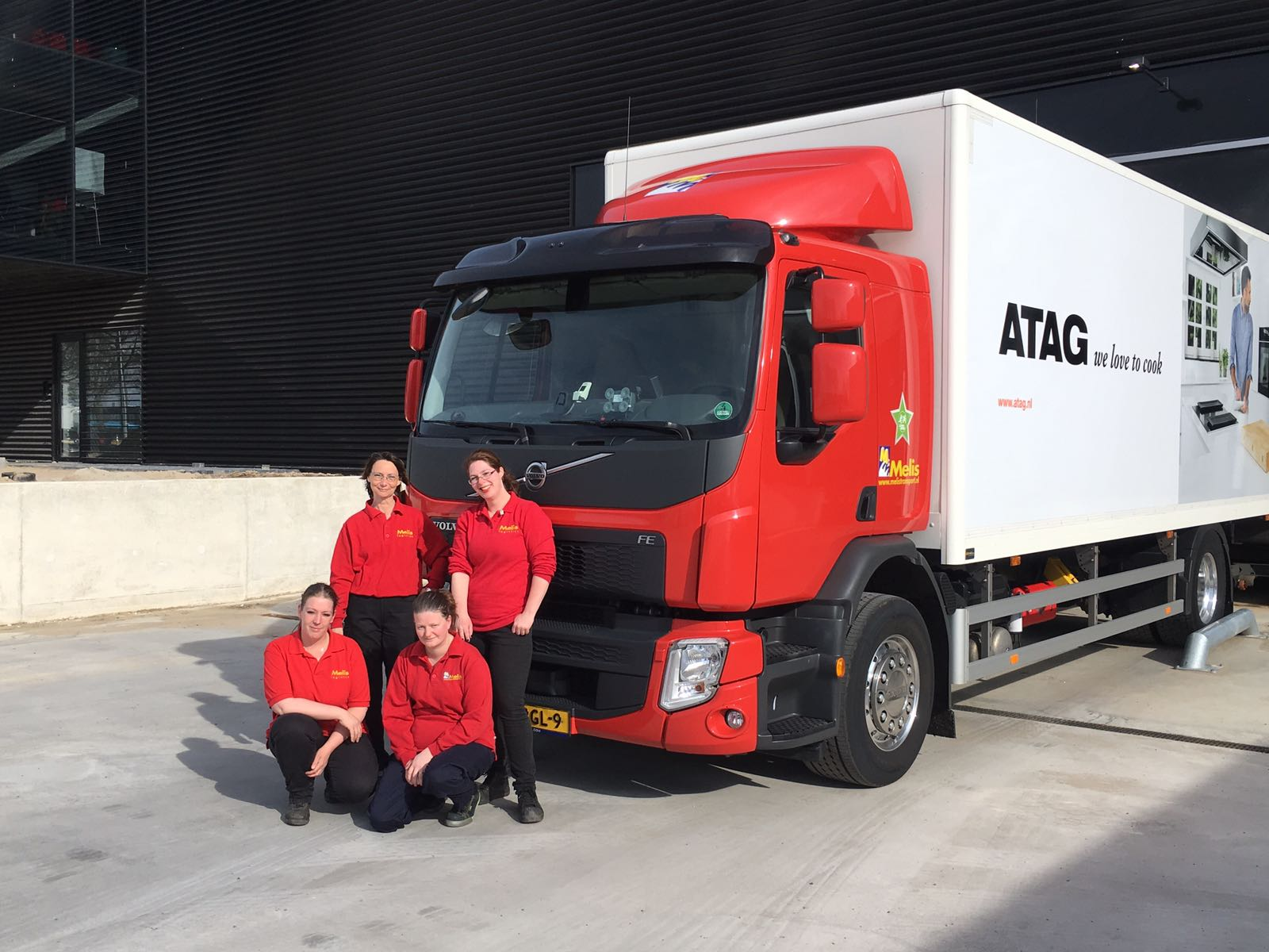 Vrouwelijke chauffeurs Melis Logistics